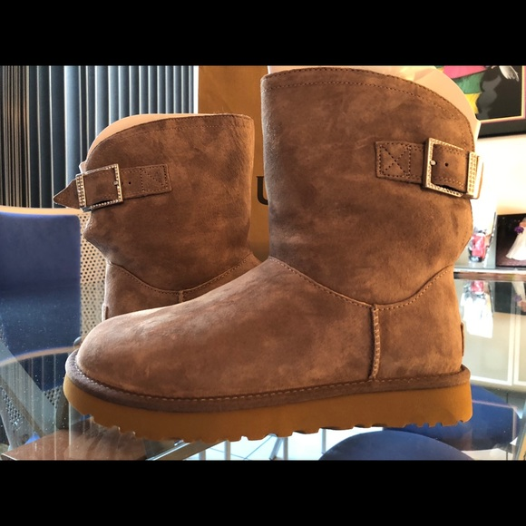 e4d713cd3f8 UGG Australia Remora Buckle Bling Crystal Boot NWT